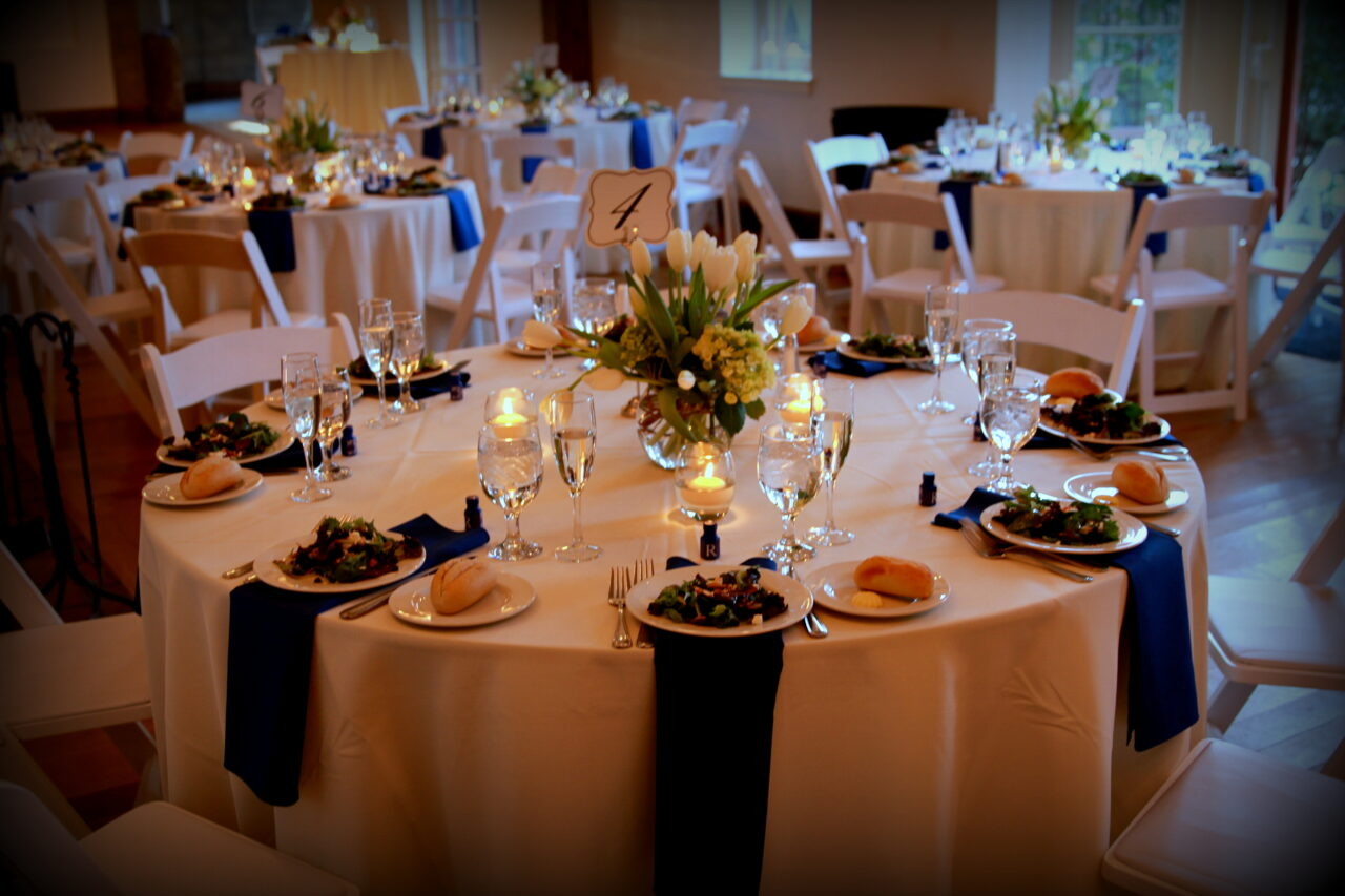 Top Ways to Serve Food at Your Wedding Reception